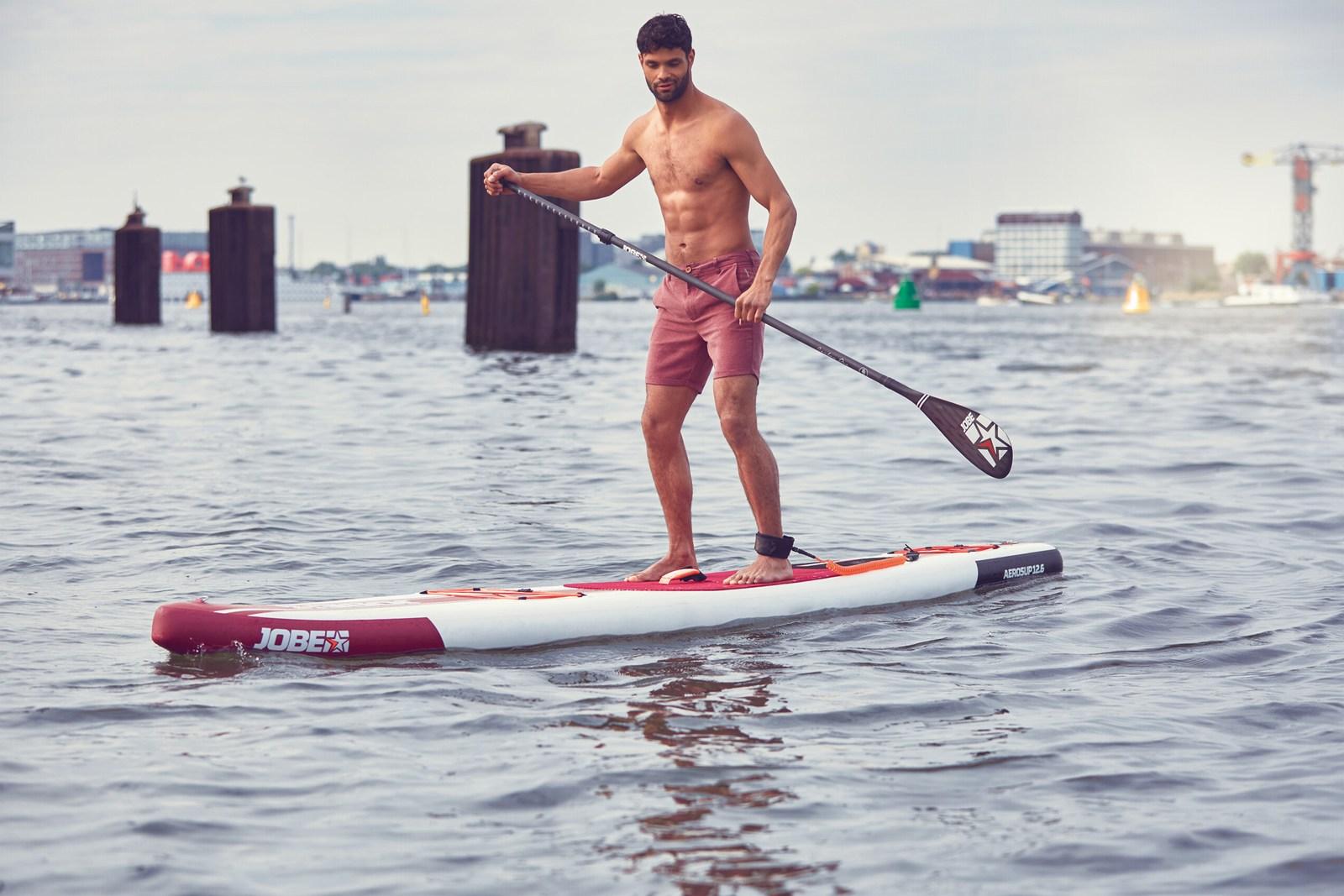 Dejstvo je, da je supanje v tujini (in posledično tudi pri nas) iz dneva v dan bolj priljubljen šport med vodnimi rekreacijami, nad njim se navdušujejo tudi marsikateri zvezdniki in uspešni športniki.