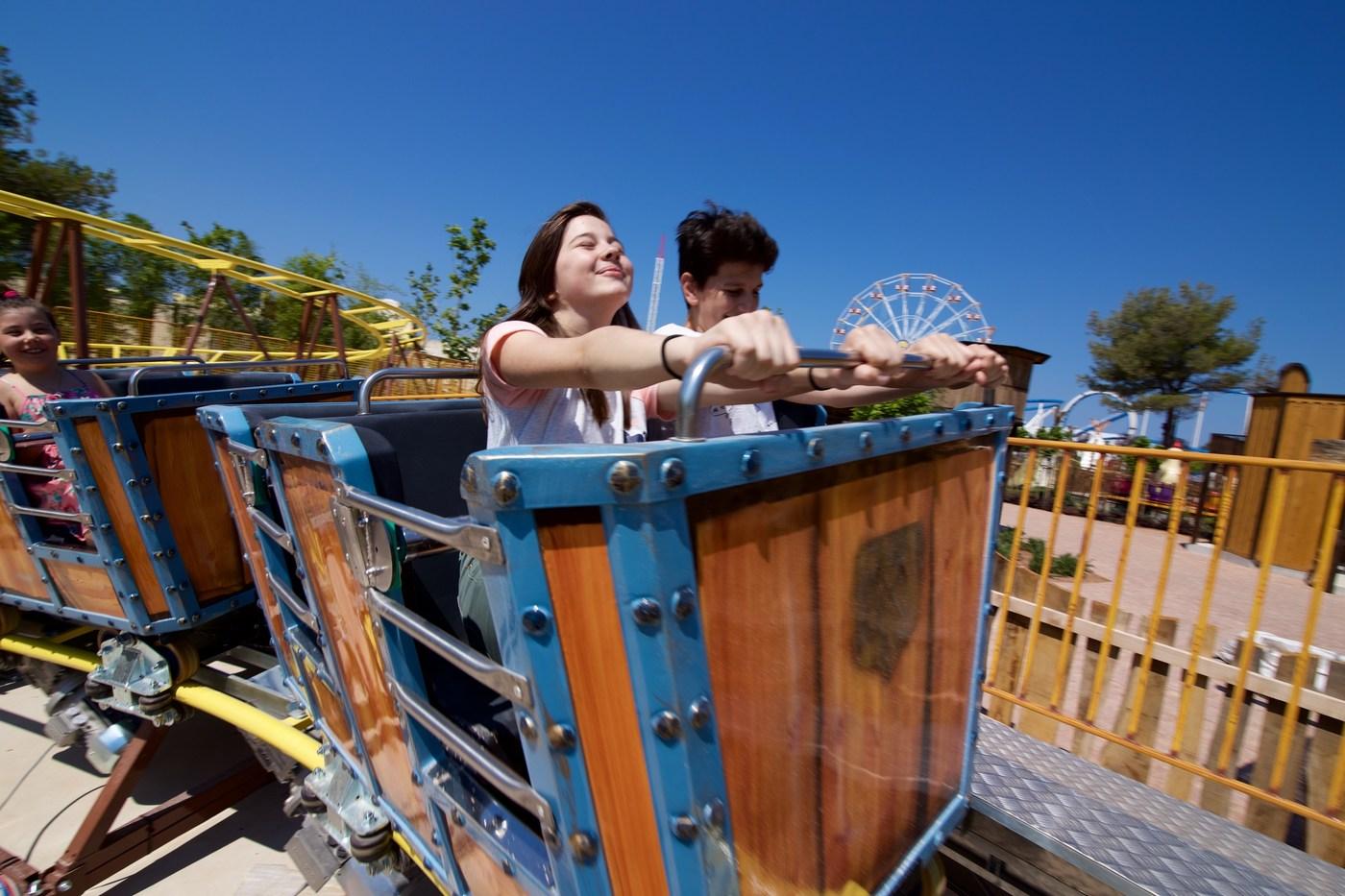Dnevno lahko Fun Park Mirnovec obišče do 5.000 ljudi. Letno pričakujejo od 100 do 150 tisoč ljudi.