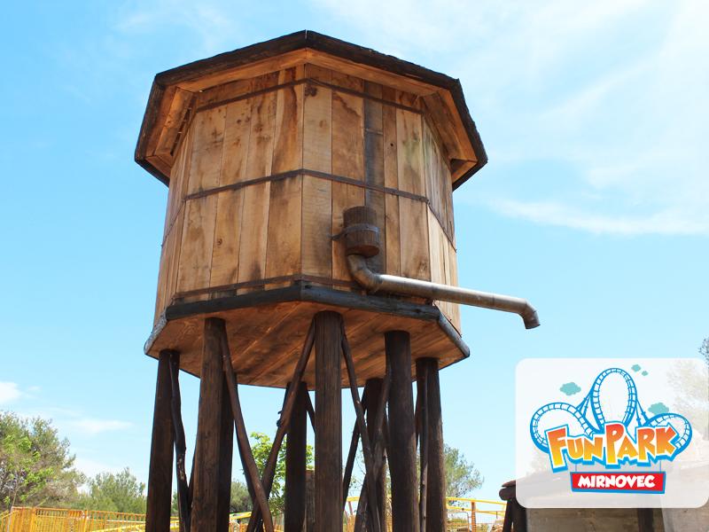Kavbojski vodni stolp.