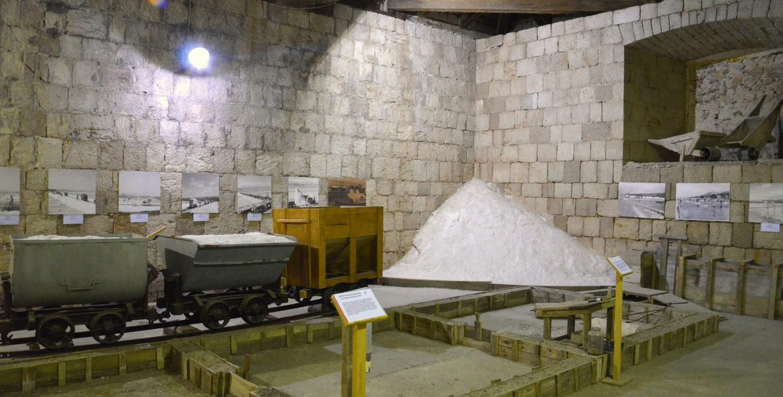 Sol je polna mineralov, še posebej izstopata pa kalcij in magnezij. Minerali so izredno pomembni za normalno delovanje našega telesa.