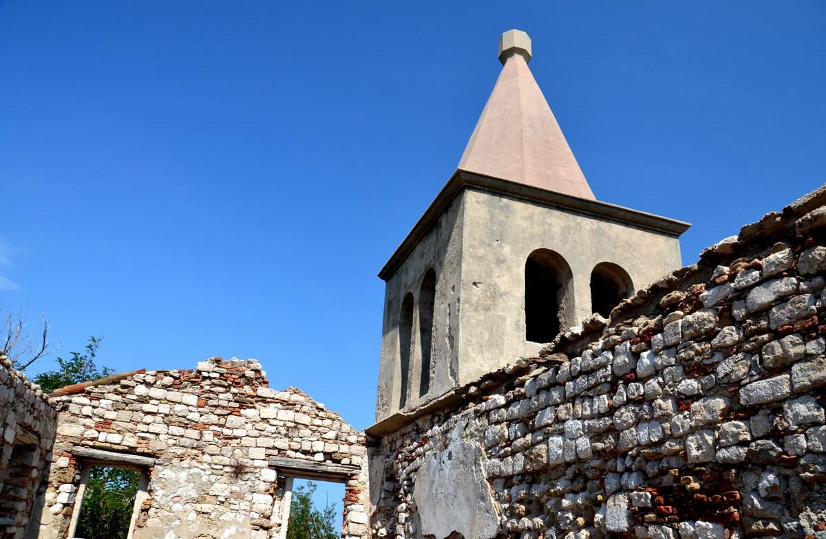 Zvonik.