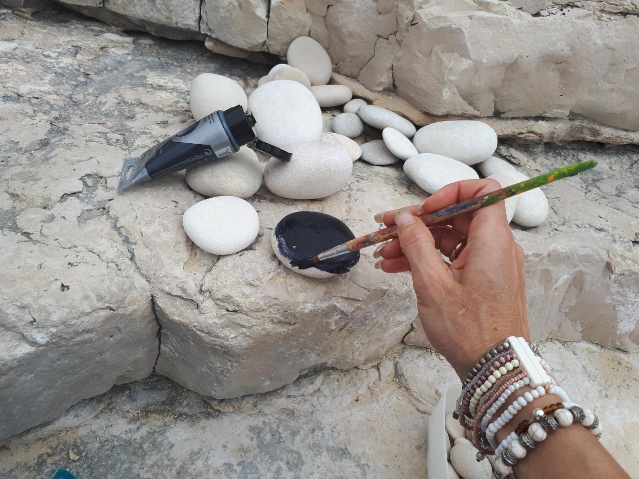 Barvanje kamnov
