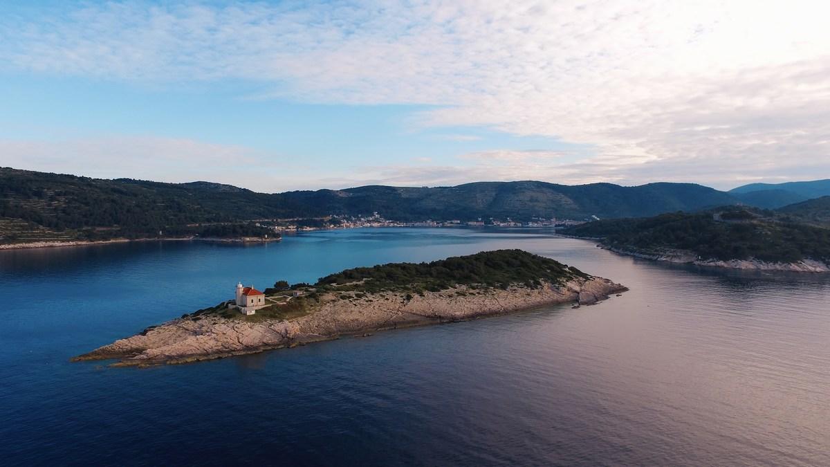 Otok Vis, foto Ivo Bioćina in HTZ