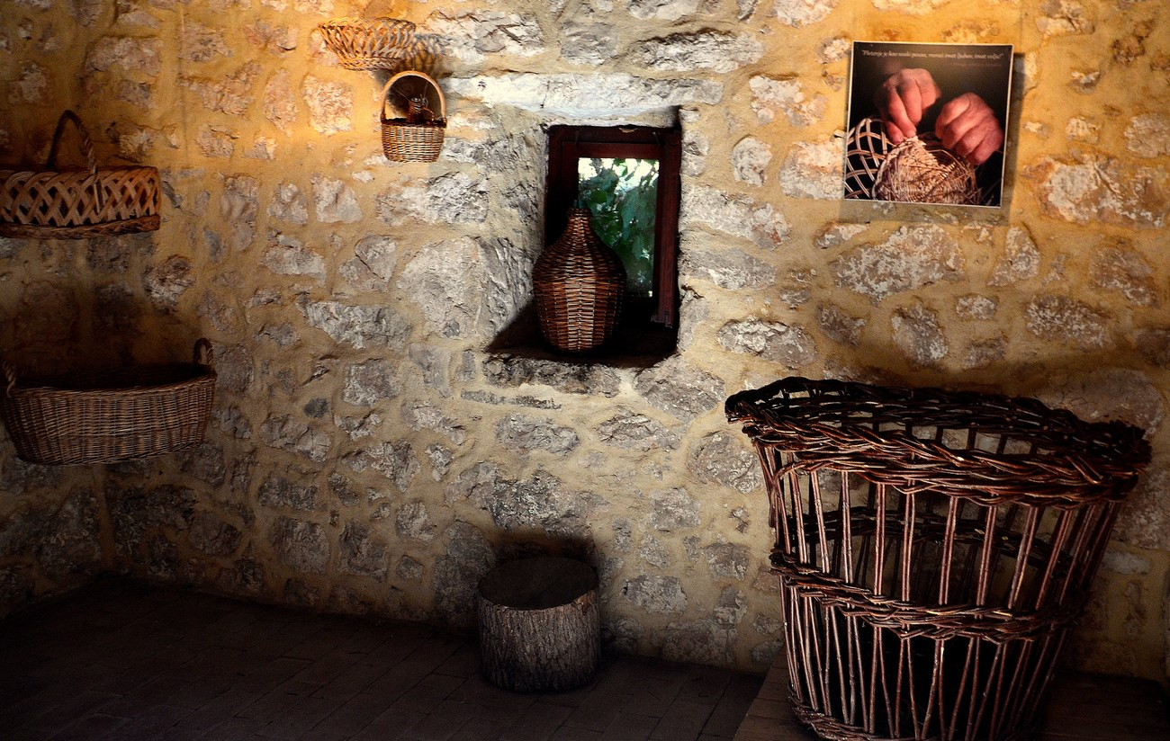 Etno zabava v nekaj starih mlinih, ki so turistom prijazni.