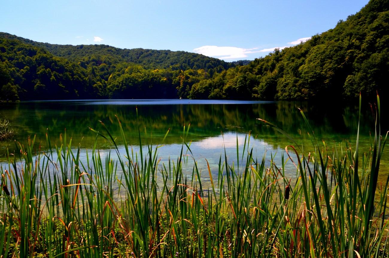 Največje jezero je Kozjak. Ima 81,5 hektarja površine, je tudi najglobje - 47 metrov.