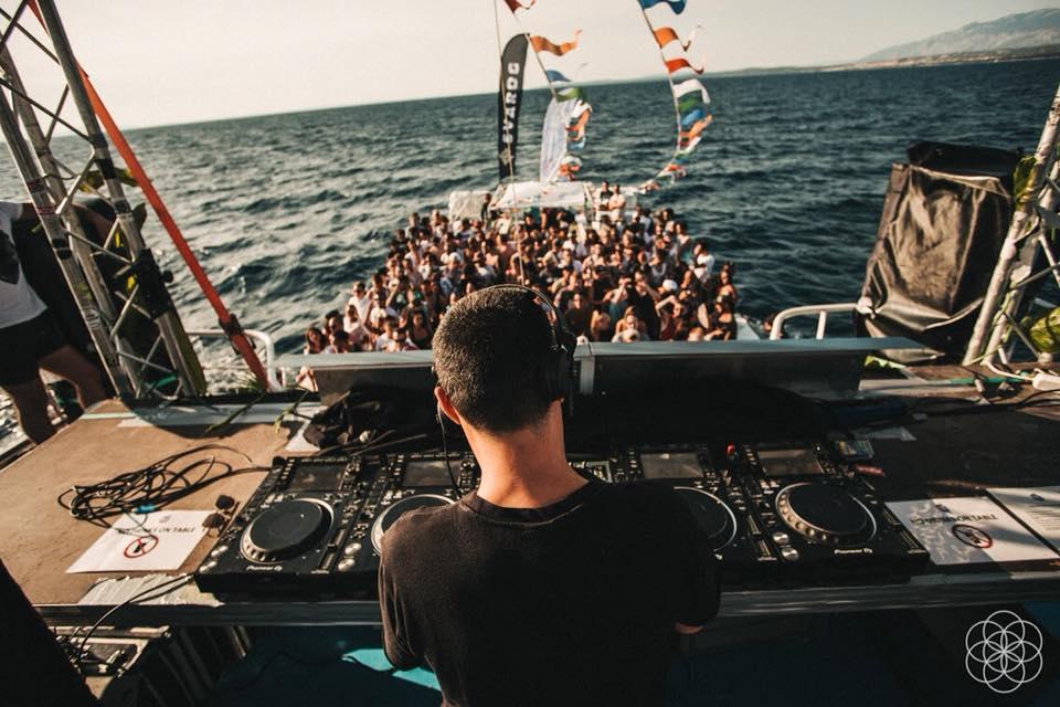 boat_music