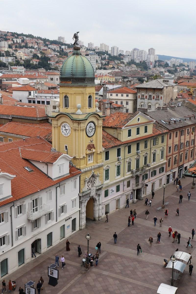 mestni_stolp_dvoglavi_orel