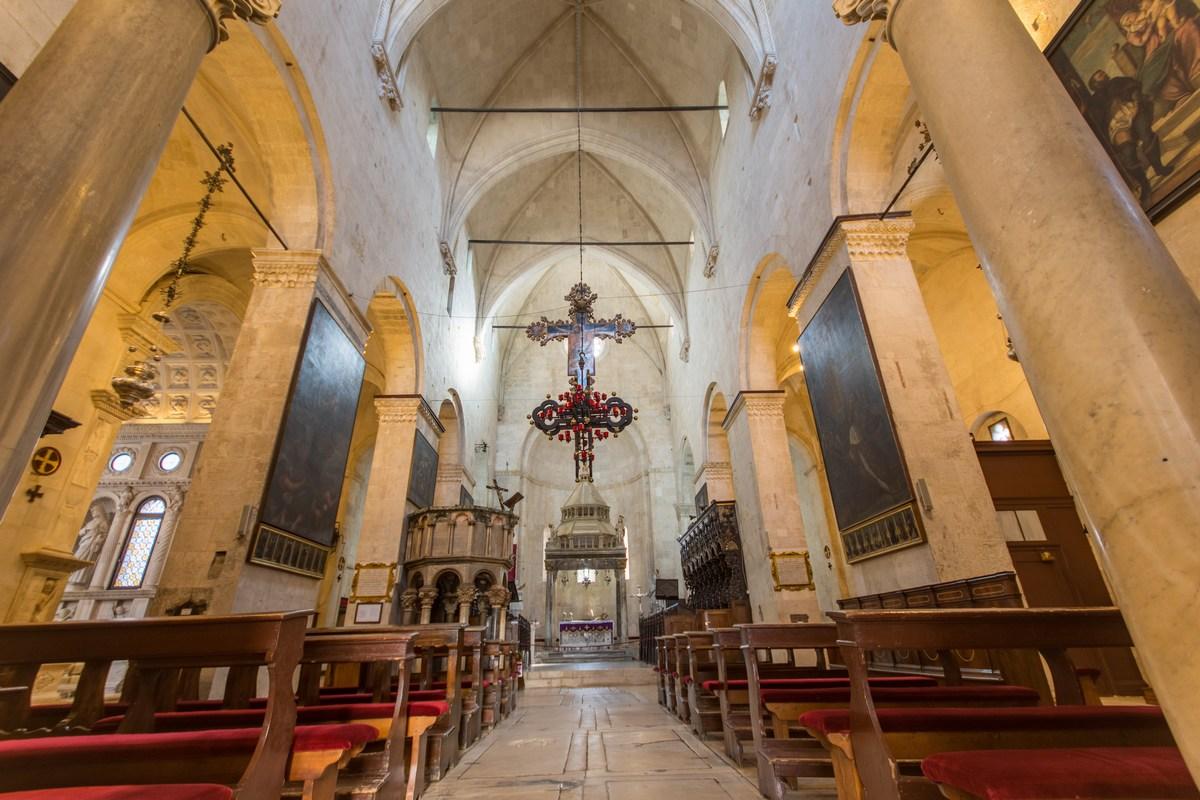 Sveti Lovro katedrala