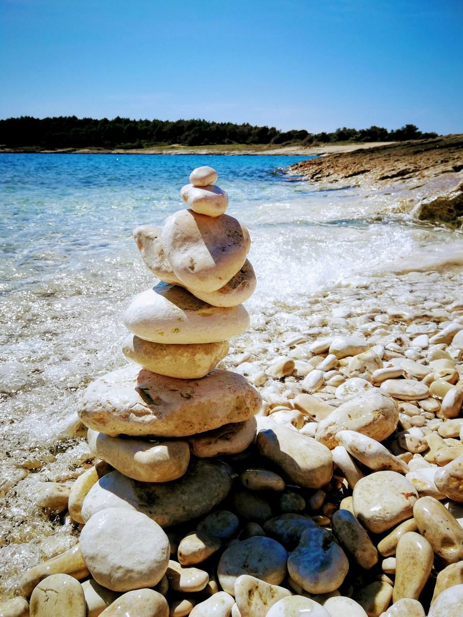 Stolp iz kamnov
