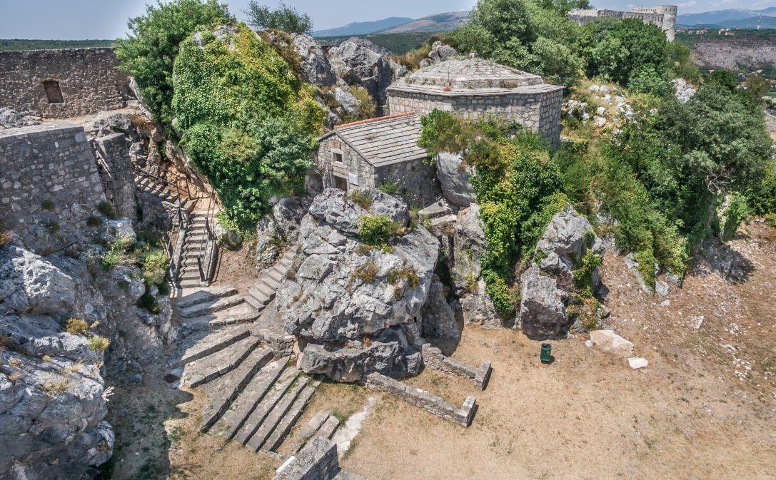 Čudovita trdnjava