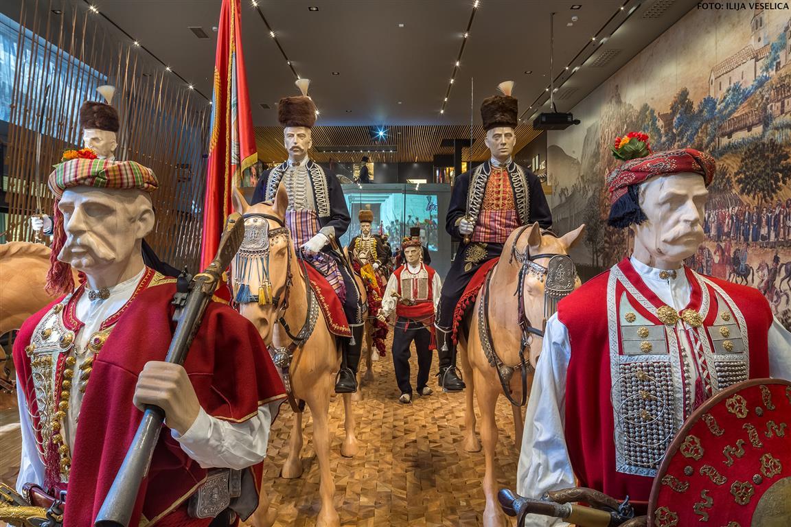 Lesene lutke v muzeju