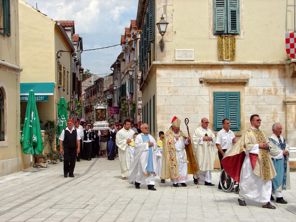 Cerkvena procesija