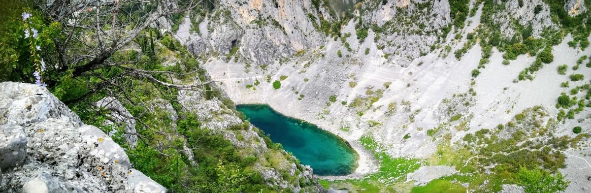 Pogled na Modro jezero iz trdnjave