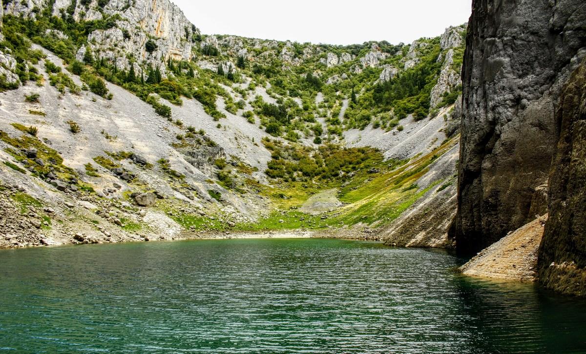 Sproščeno ob jezeru