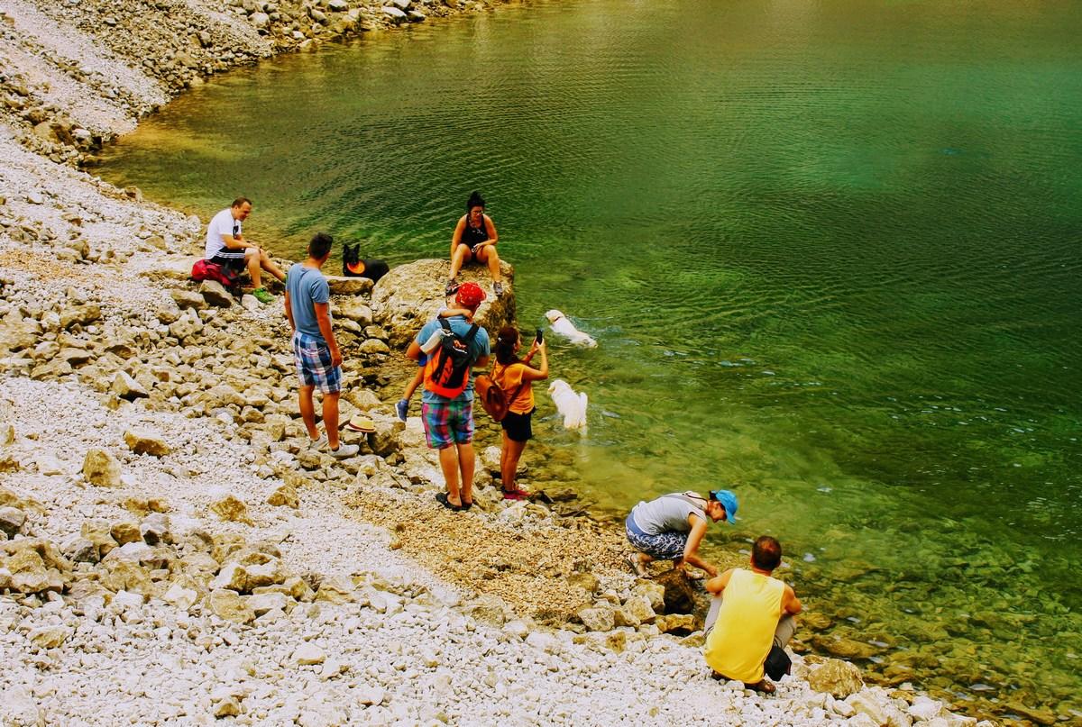 Uživancija ob jezeru