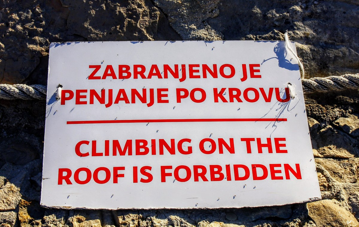 Prepovedana hoja po strehi. Kul, kajne?