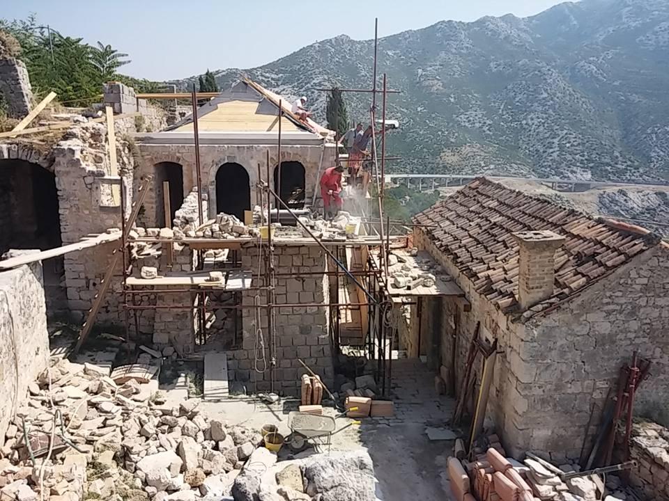Prenova trdnjave se je začela pred leti