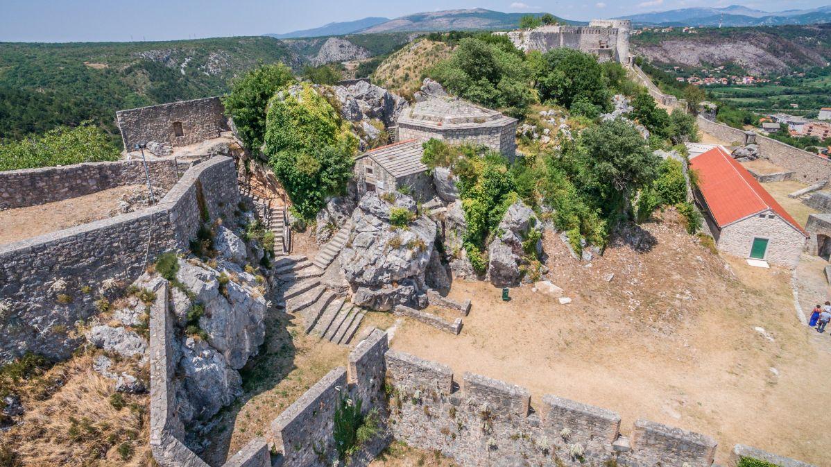 Zgradbe v trdnjavi