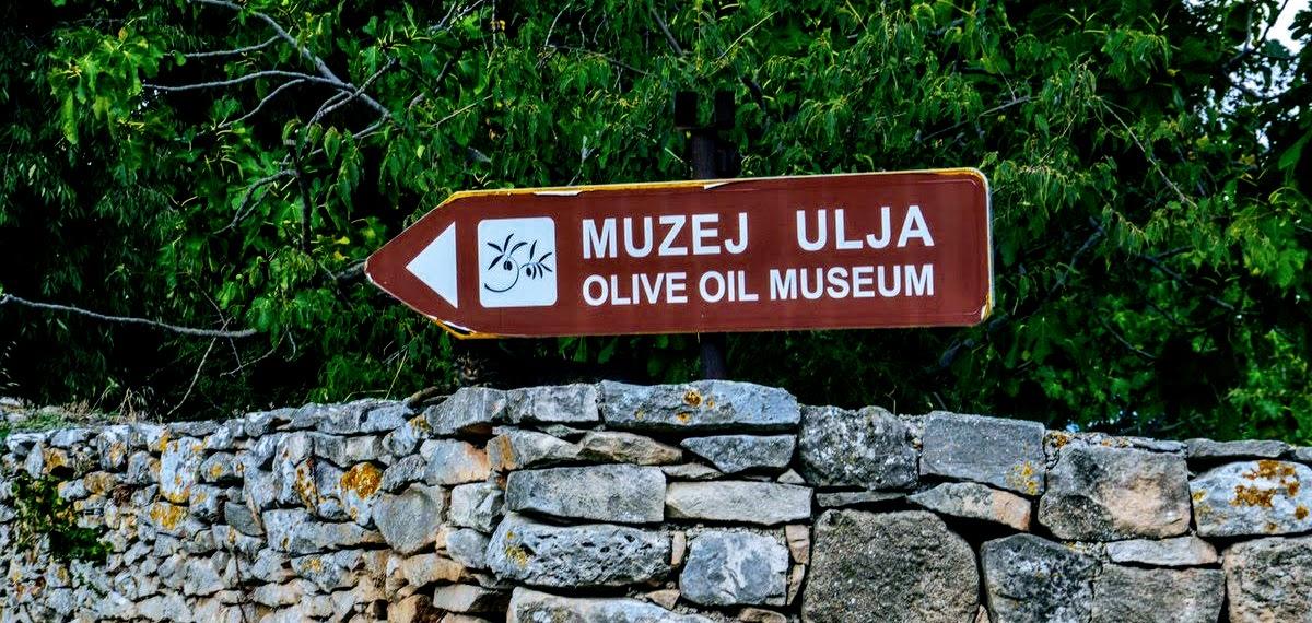 Muzej ulja, tabla