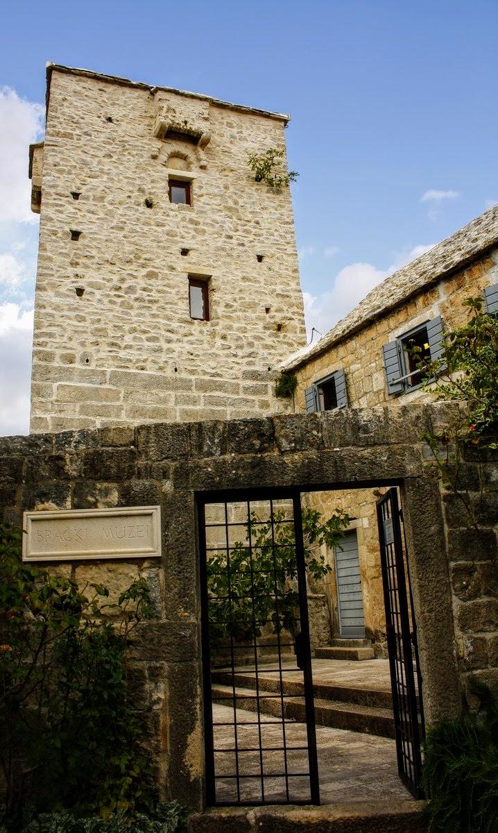 Pogled na muzej otoka Brača