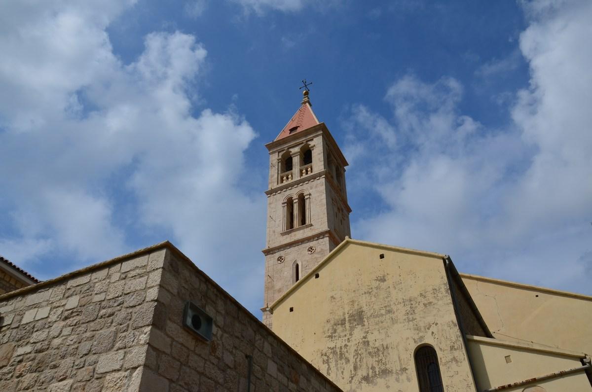 Zvonik ob dominikanskem samostanu
