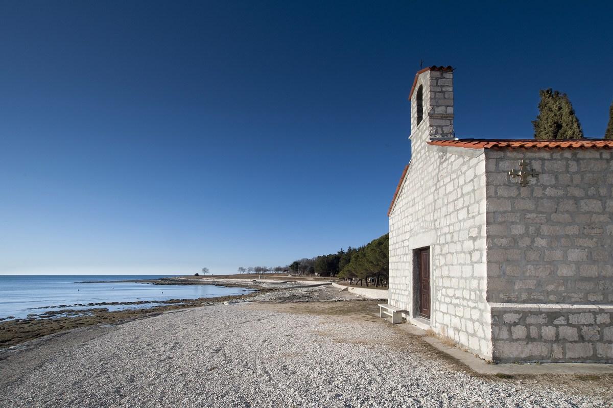 Cerkvica in plaže