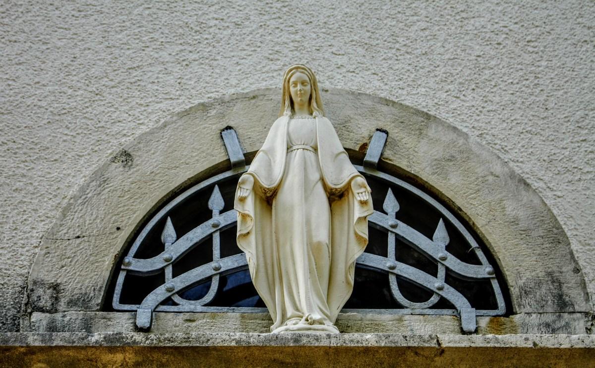 Marija na cerkvici