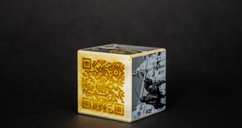 Cro Cube, lesena kocka z digitalno promocijo