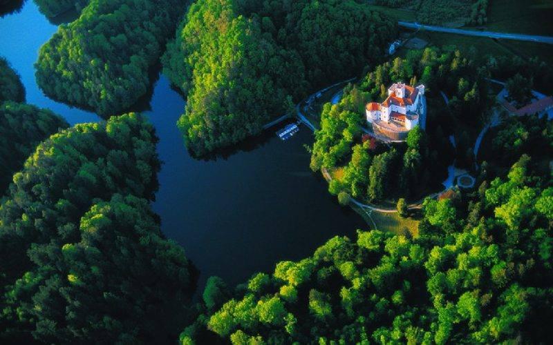 Dvorec, fotografija iz drona
