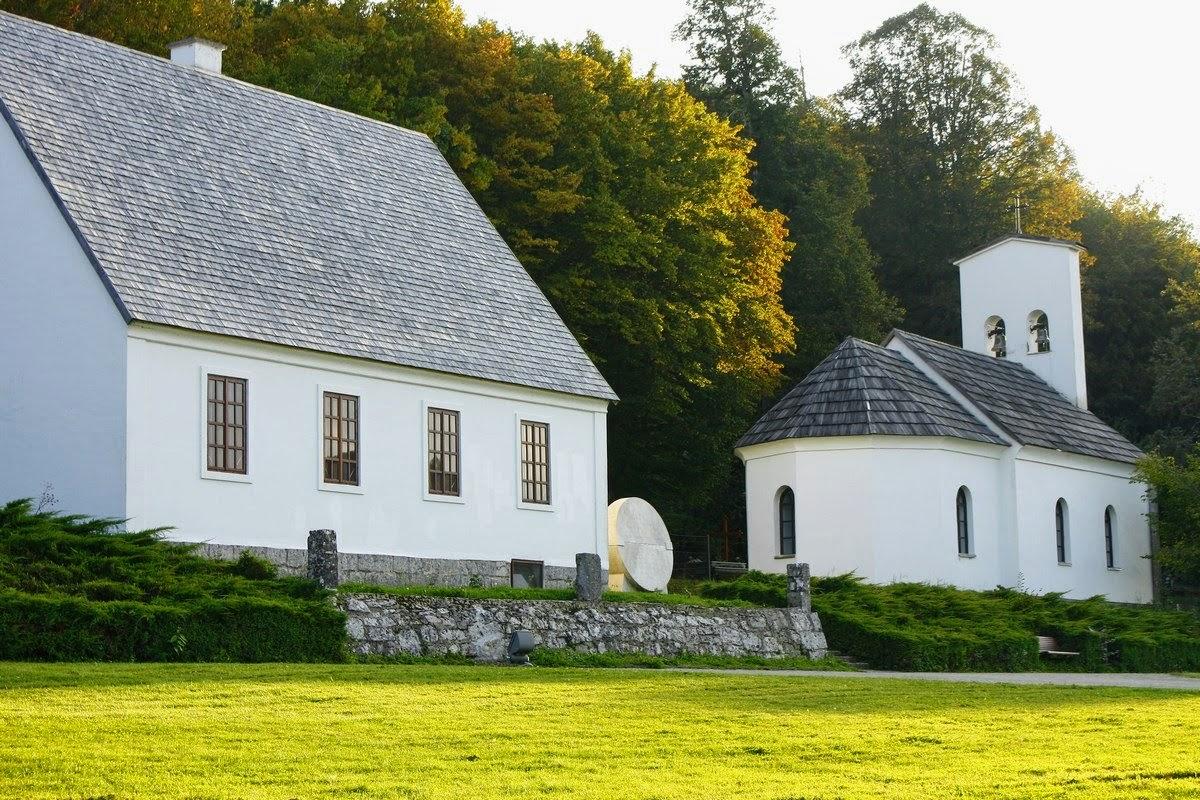 Rojstna hiša in cerkev