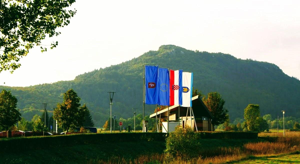 Zastave ob vstopu