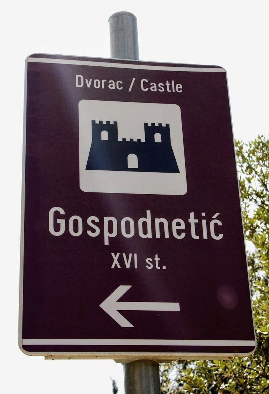 Proti dvorcu