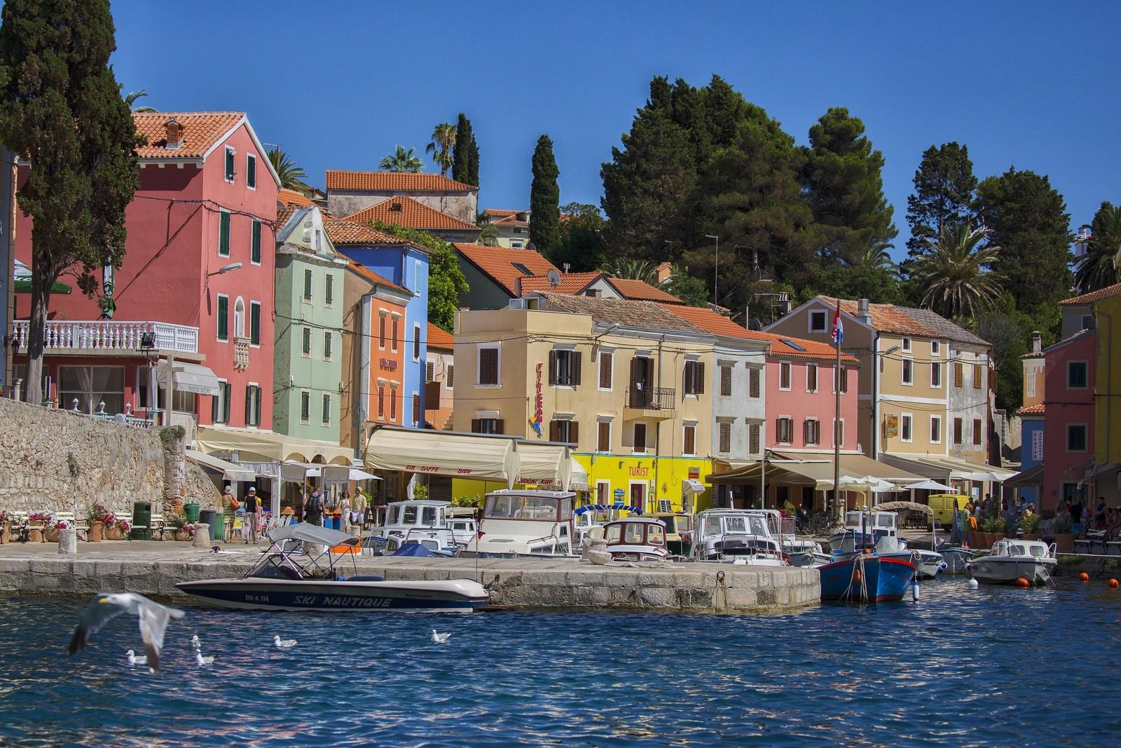 Veli Lošinj, pristanišče, foto HTZ in Ivo Bioćina