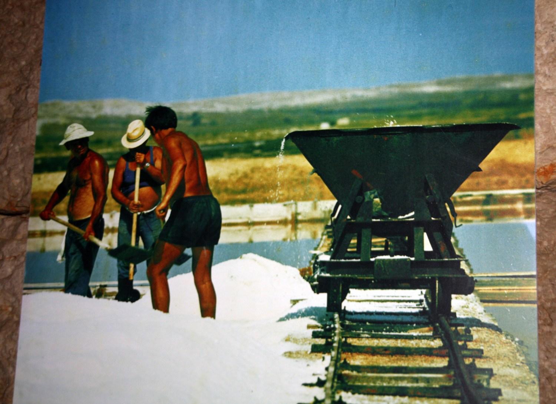 Pag je mesto soli. Pomembnost soli je bil poglaviten vzrok za nastanek Paga v 15. stoletju, skladno z načrtom obzidanega mesta.