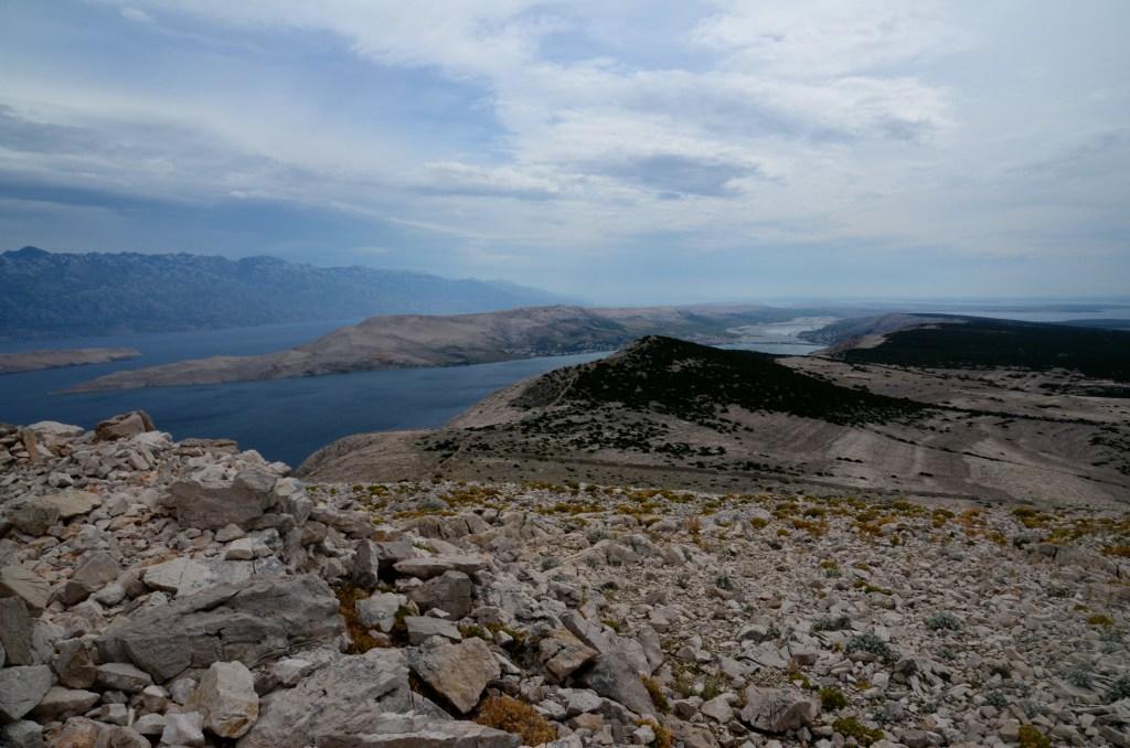 Pogled z vrha proti Pagu.