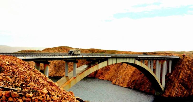 Paški most, vrata otoka Paga