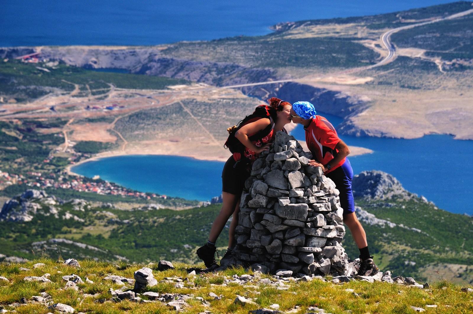Rada te imam, Velebit. Poljubi me, Velebit. Foto: HTZ in Aleksandar Gospić.