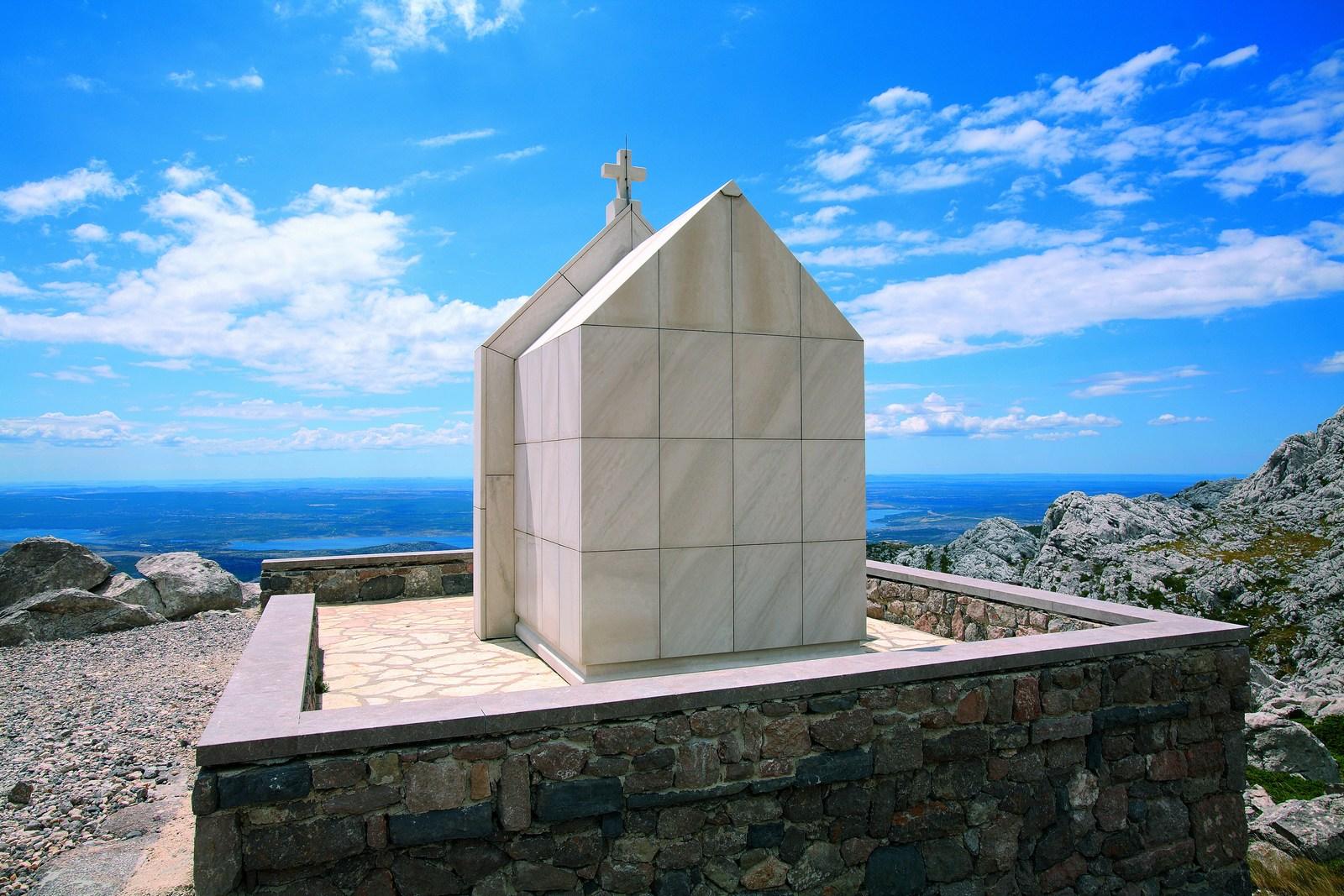 Kaj je zgoraj in kaj spodaj? Božja razmišljanja, božji razgled. Foto: HTZ in Sergio Gobbo.