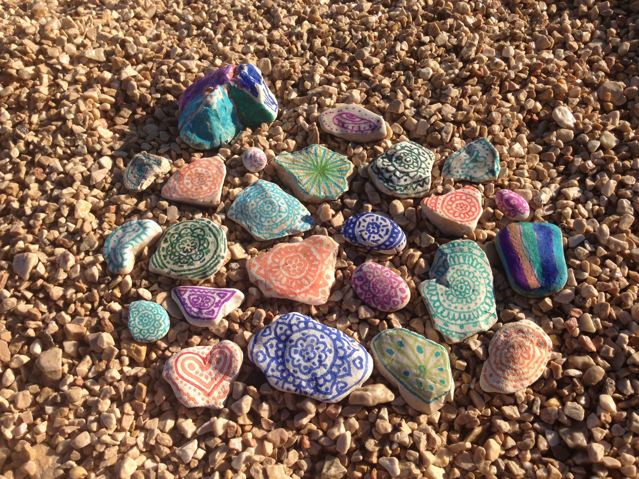 Obarvani kamni