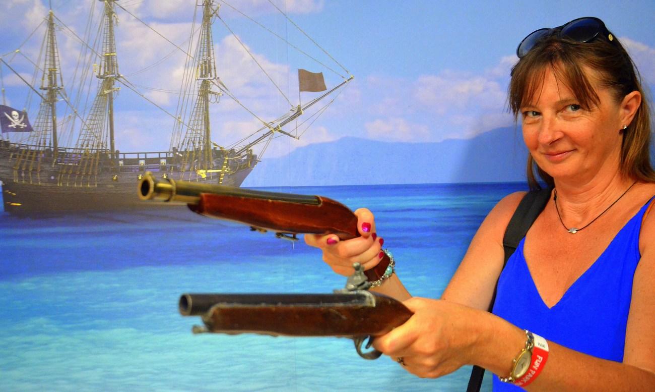 Ne samo pirate, tudi piratke najdemo v Mirnovcu.