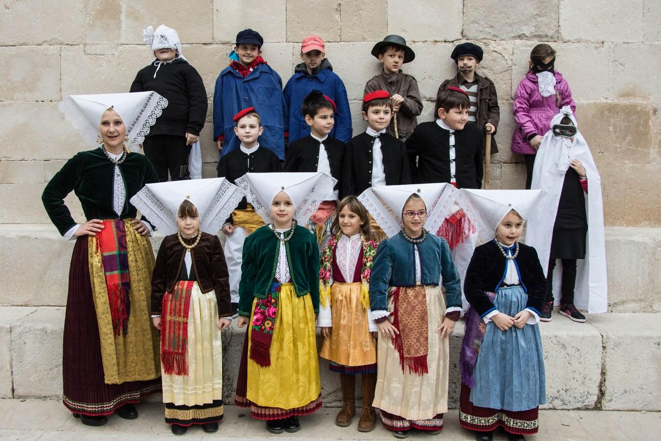pust_narodna_nosa