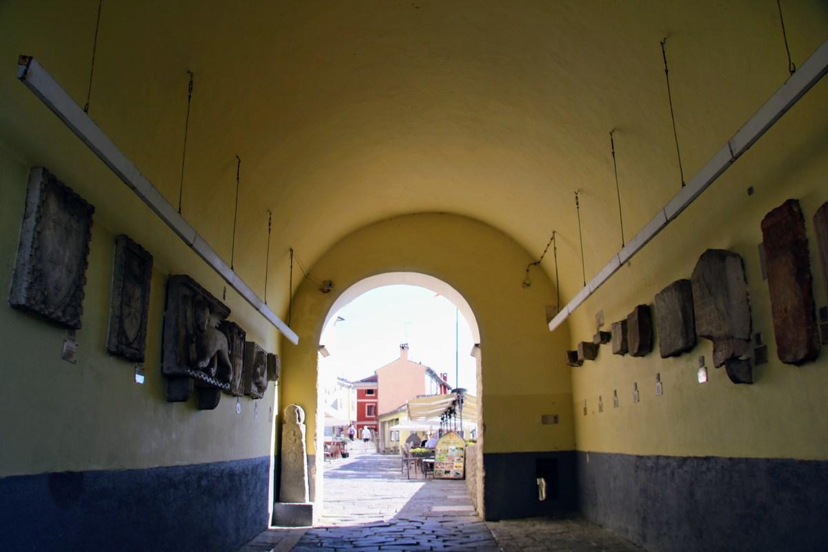 Dvojna grajska vrata