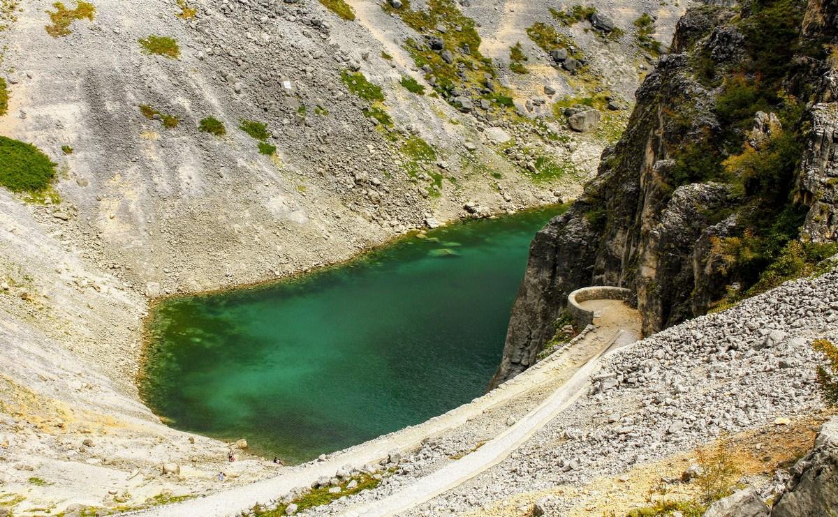 Poleti se Modro jezero zmanjša