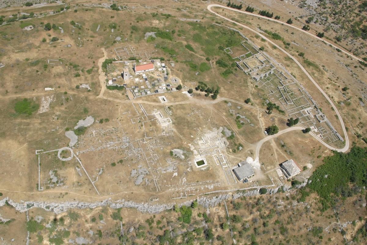 Sedem hektarjev