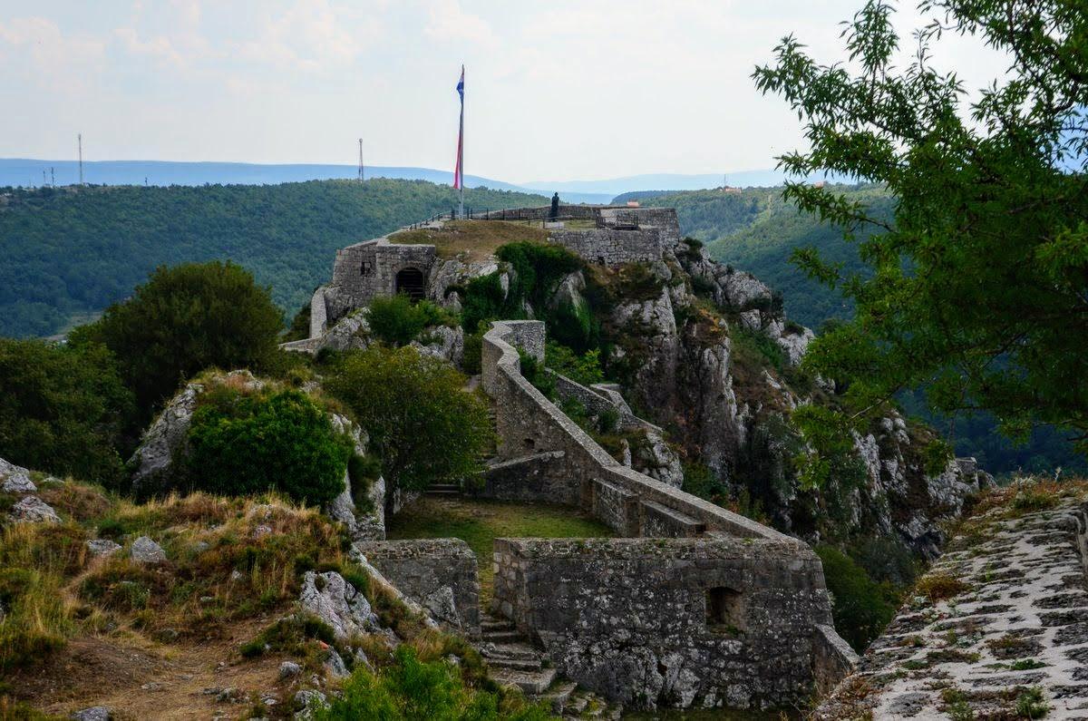 Mogočna je kninska trdnjava