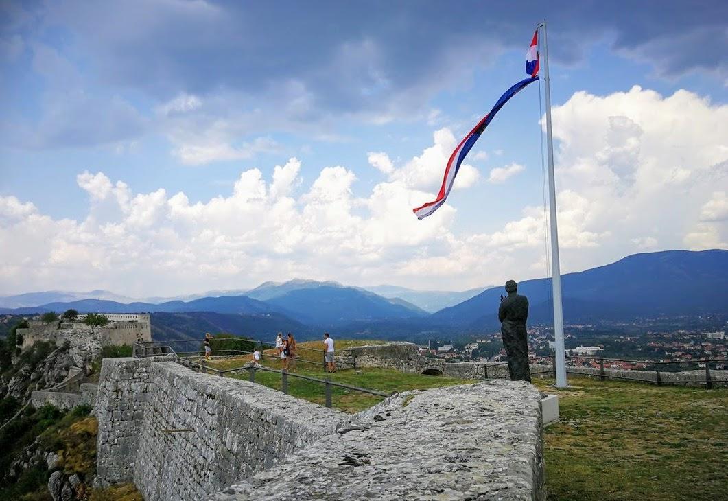 Kninska trdnjava, foto prerez