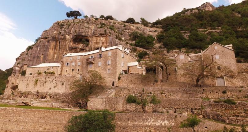 Puščava Blaca, mesto pridnih in bogatih menihov