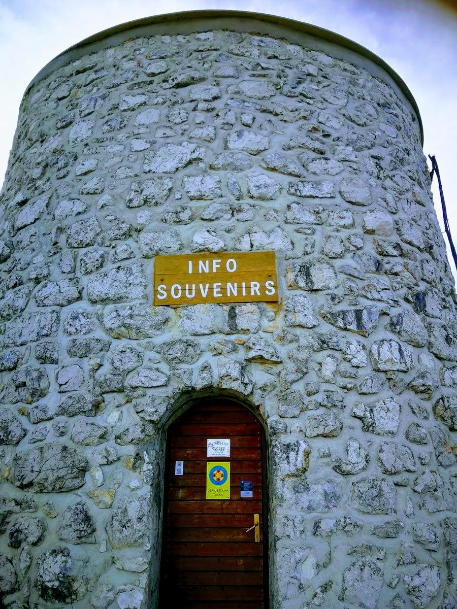 Spominki v stolpu