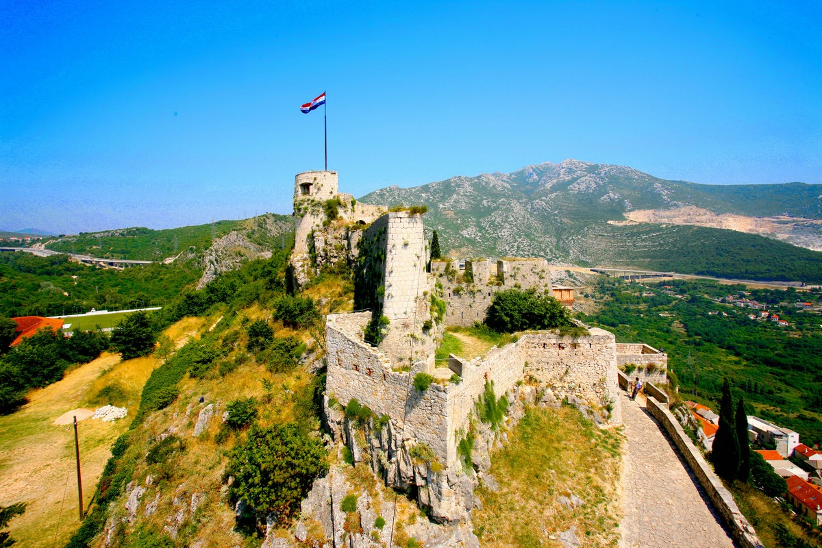 Zastava na vrhu trdnjave