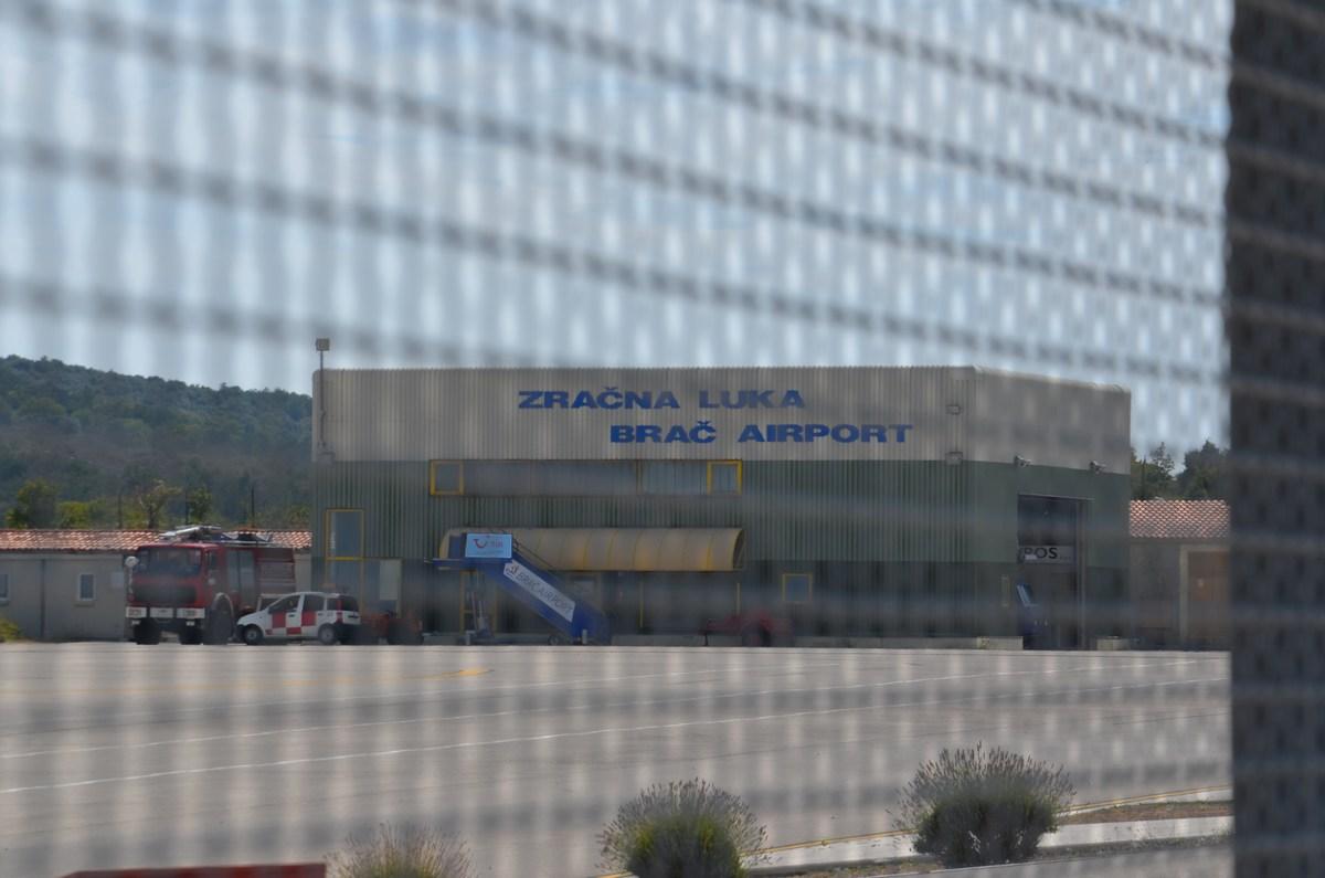Brač, letališče, blizu Bola